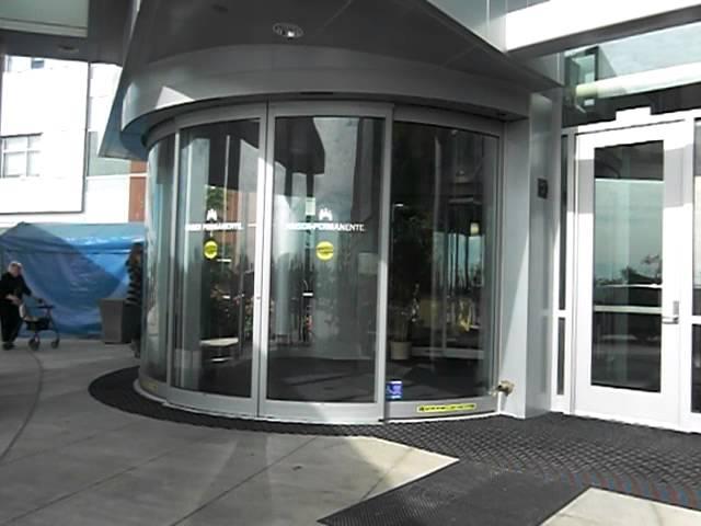 Dairesel Cam Kapı